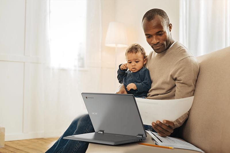 Acer представила новые устройства Chromebook с большим экраном для работы, школы и развлечений (Acer Chromebook Spin 314 CP314 1HN lifestyle 01)