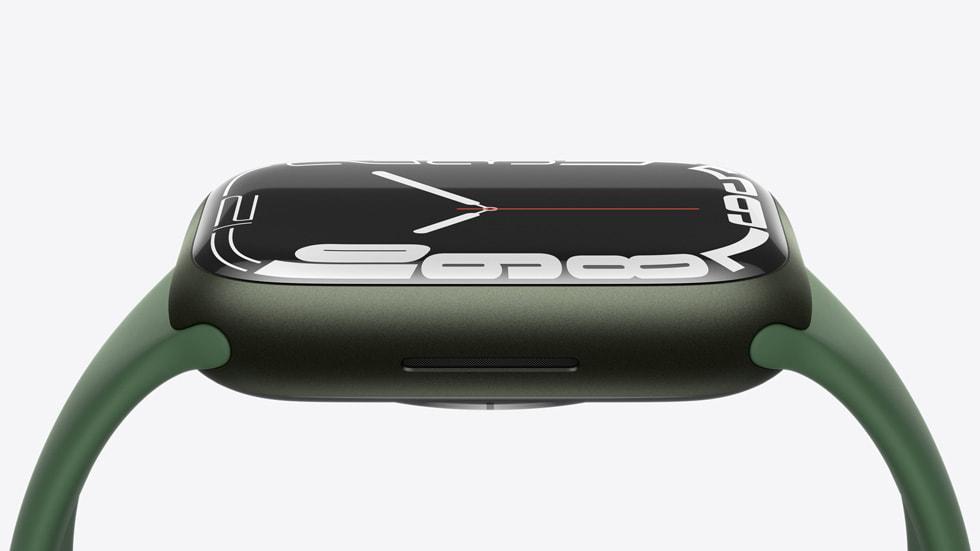 Новые Apple Watch series 7 поступят в продажу 15 октября (Apple watch series7 availability durability 10052021 big.jpg.large)
