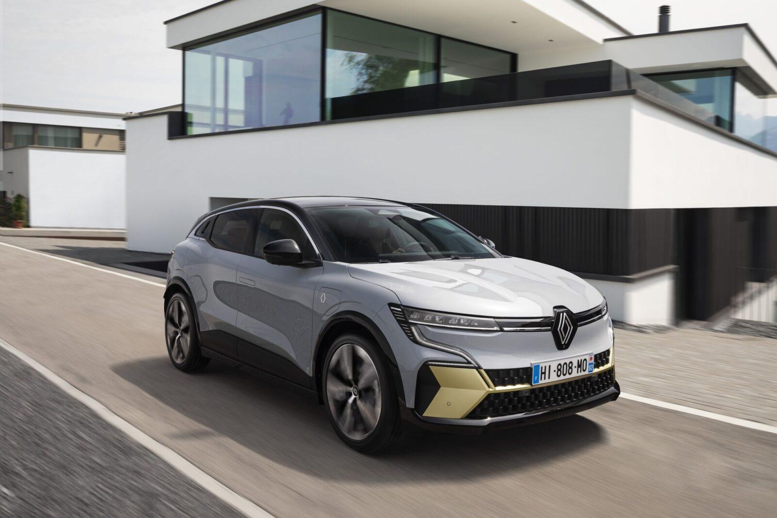 Всё о FOTA — обновления «по воздуху» для автомобилей Renault (Renault Megane E TECH Electric iTravelling 1)