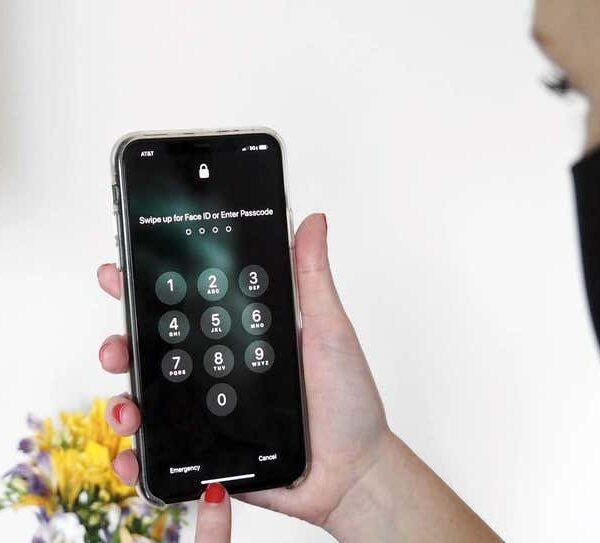 В iOS 15 исправлена ошибка разблокировки Apple Watch (f76bde3940d2057812f98410735adfff)