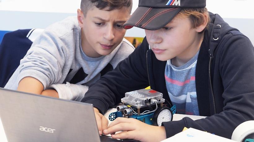 В Москве пройдёт юношеский конкурс проектов в области нейротехнологий и искусственного интеллекта ()