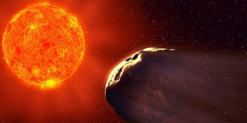 Самая большая комета направляется к солнцу (scale 1200)
